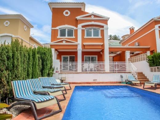 3 bed villas / chalets in Calpe