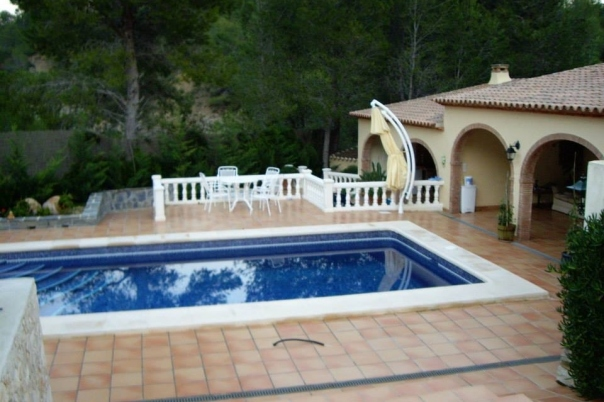5 bed villas / chalets in Benissa