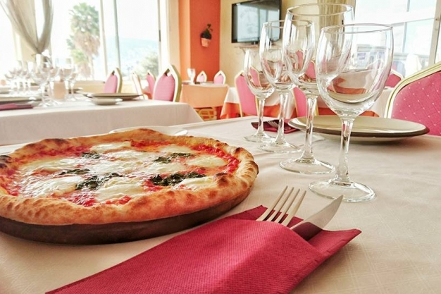 Pizzeria Mamma Nostra - Italian Restaurant