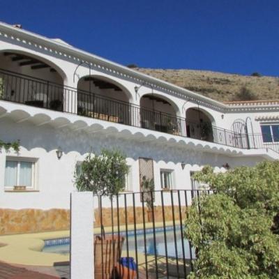 5 bed villas & fincas in Javea