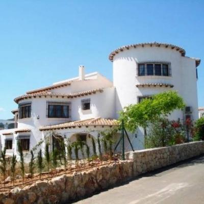 4 bed villas & fincas in Pego