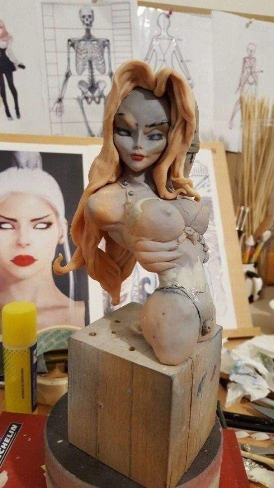 Lady Death bust