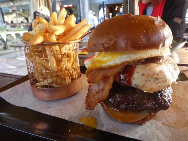 Everybodys Special burger