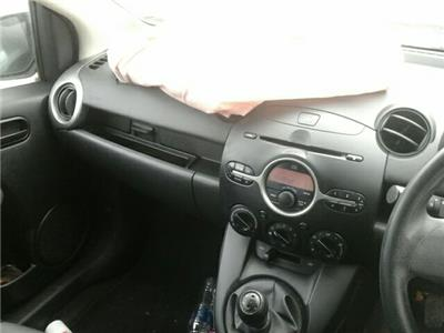 Mazda 2 TS