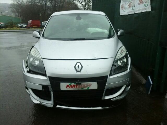2011 Renault Scenic M.P.V.