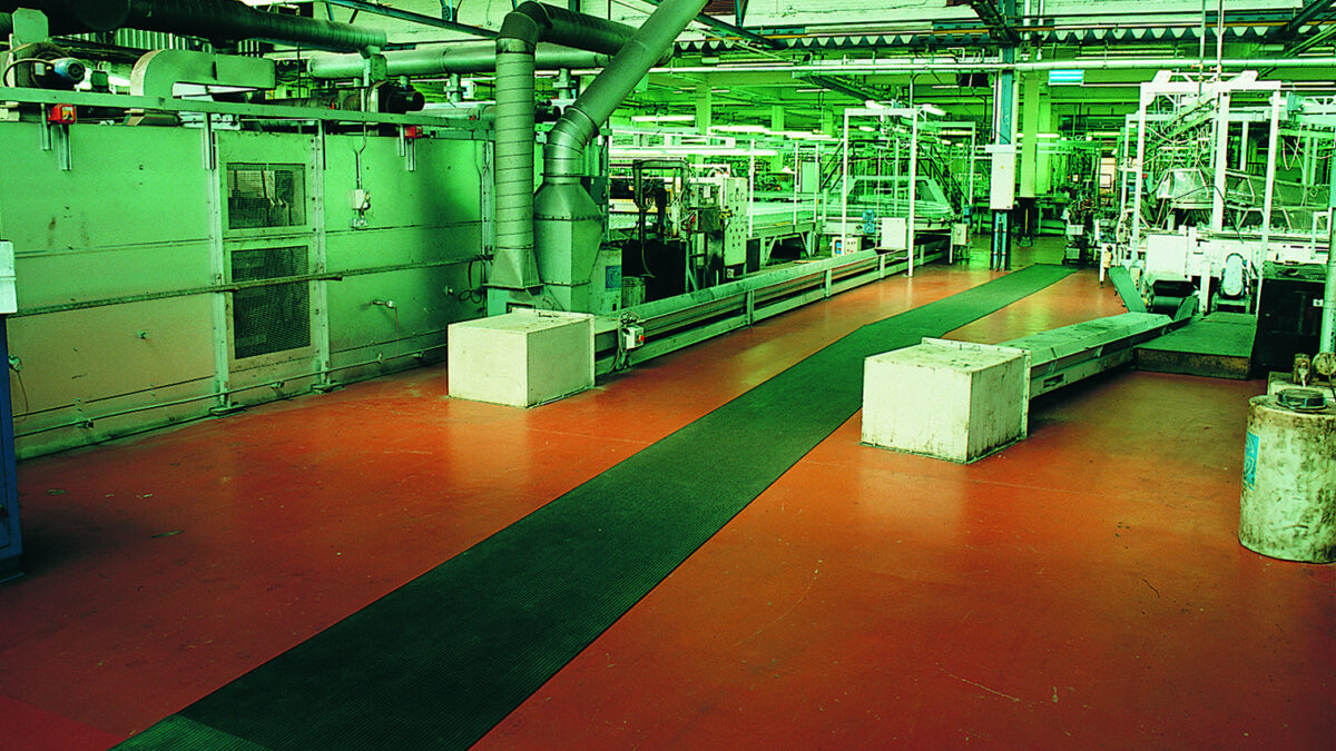 Los pavimentos de Plastex para proteger superficies están diseñados para soportar un gran peso y el desgaste diario.