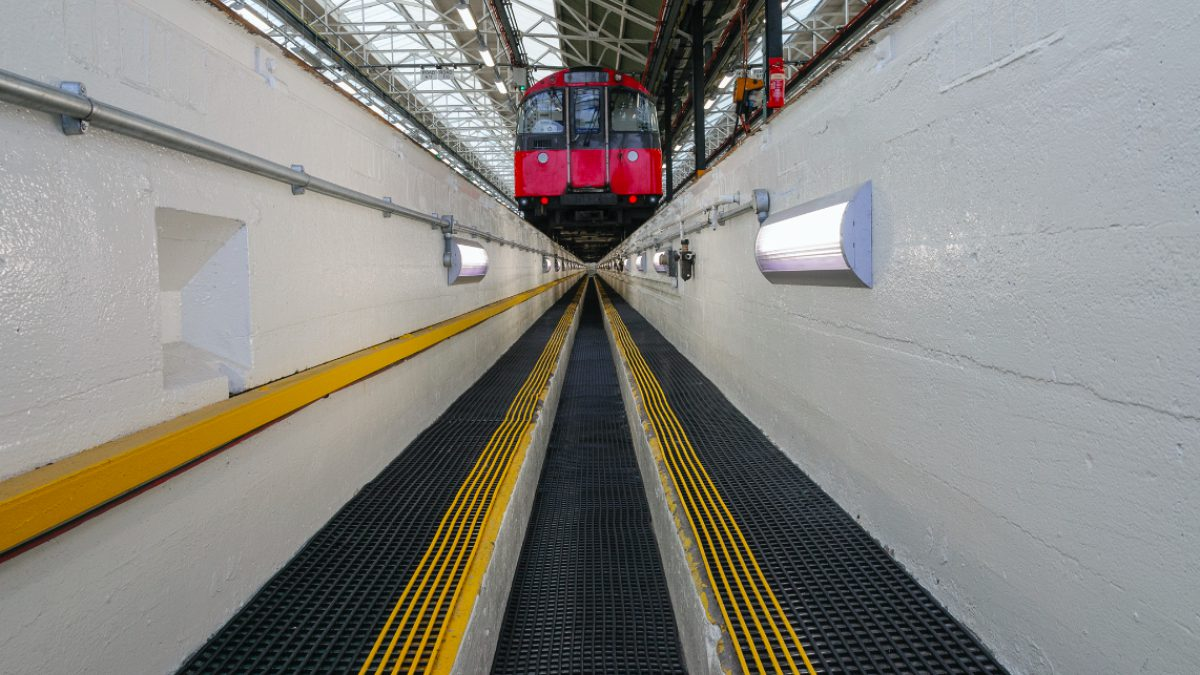 Los pavimentos de Plastex para transportes son ideales para aeropuertos, estaciones de tren y autobús.