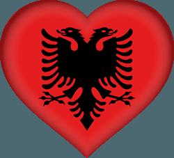 علم ألبانيا على شكل قلب