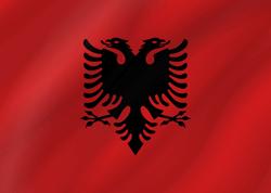 علم ألبانيا على شكل موجه