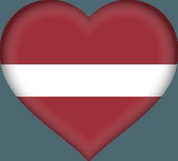 علم لاتفيا على شكل قلب