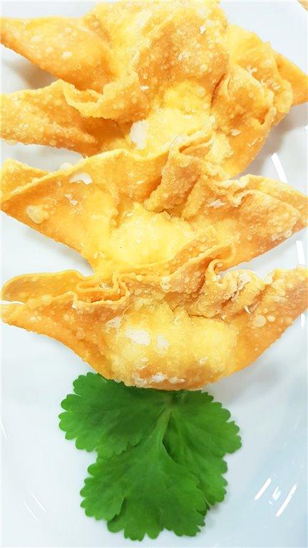 103. Wan Tan especial frito 龍虾角