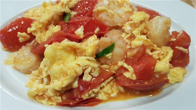 704. Revuelto de tomate con langostinos.  蕃茄蝦仁炒蛋