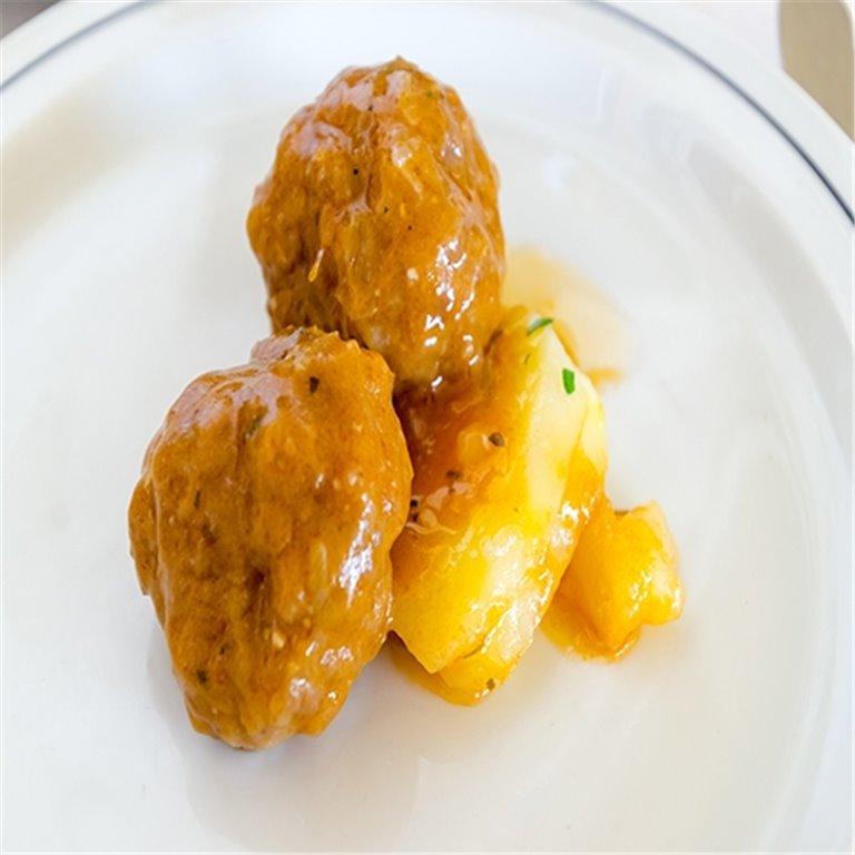 Albóndigas de choco en salsa marinera