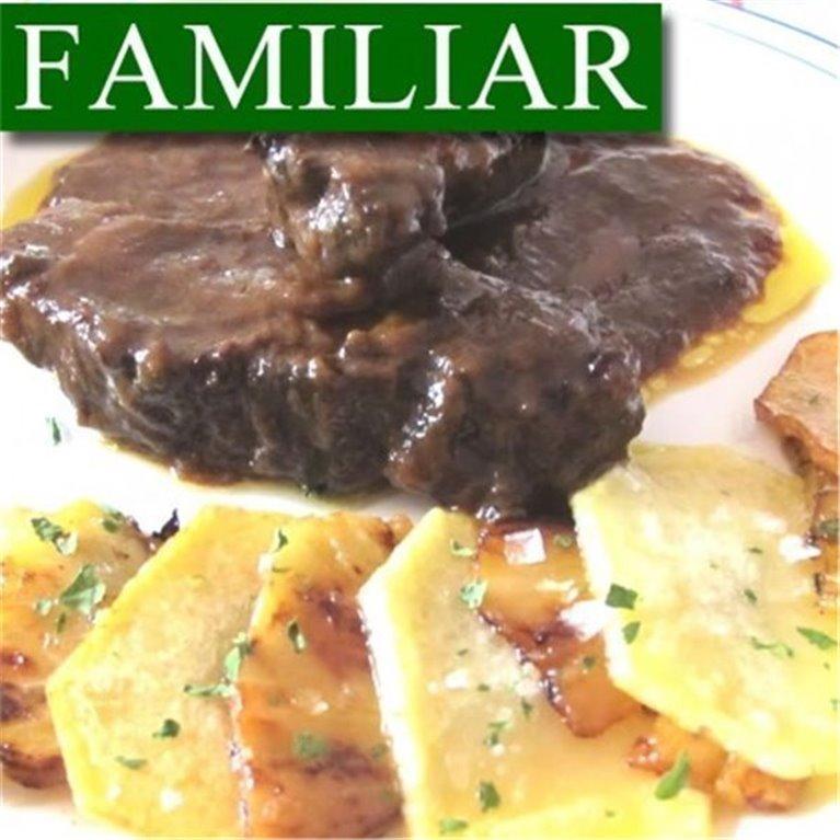 Carrilleras de Cerdo en Salsa con Patatas Horneadas FAMILIAR