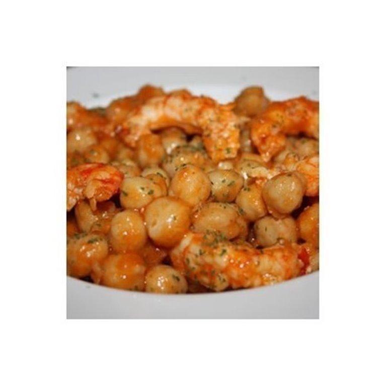 Garbanzos con Langostinos y Chorizo