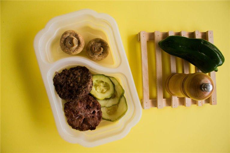 Hamburguesas de ternera con calabacín y champiñones (L3)