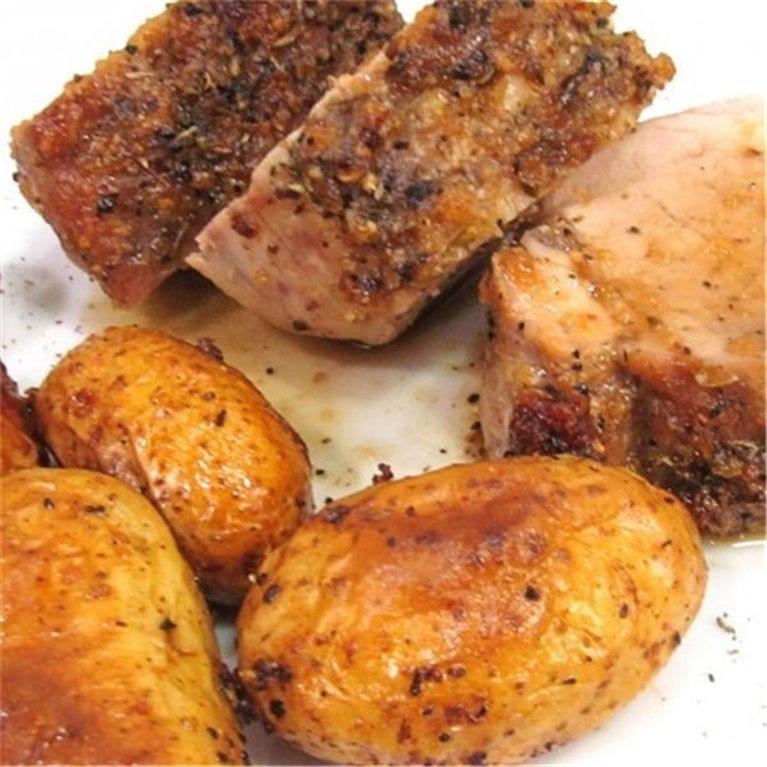 Lomo Jugoso con Salsa Barbacoa y Patatas