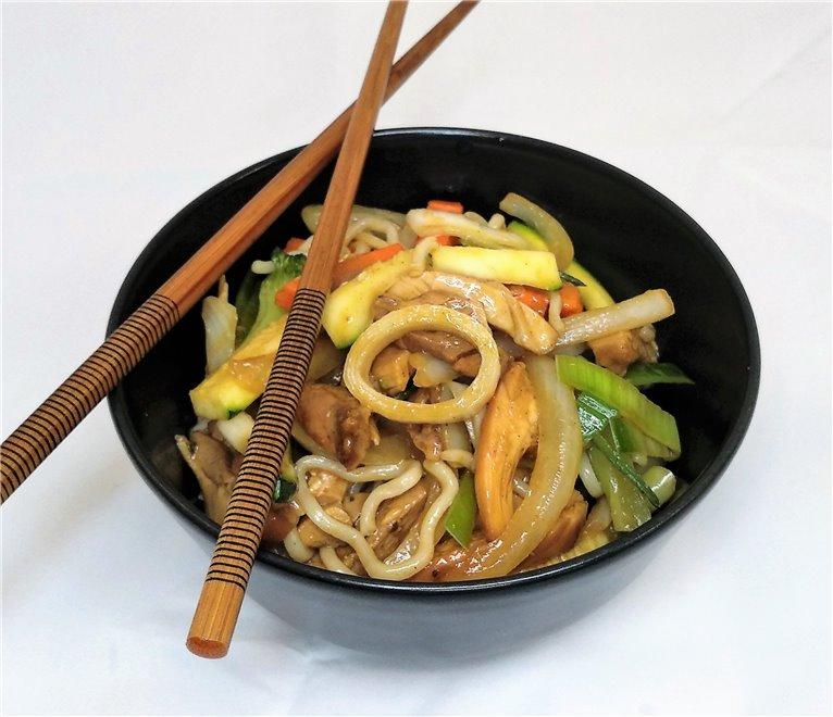 Noodles con verduritas salteadas