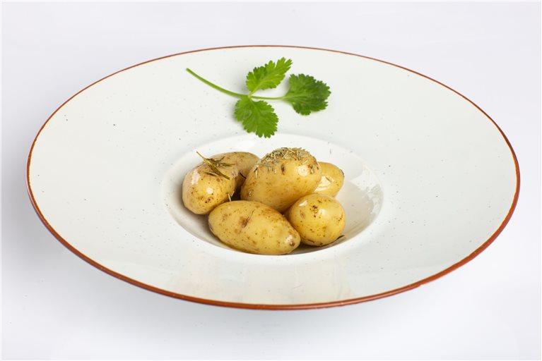 Patatas baby asadas con aroma de monte y AOVE Esencia Familiar