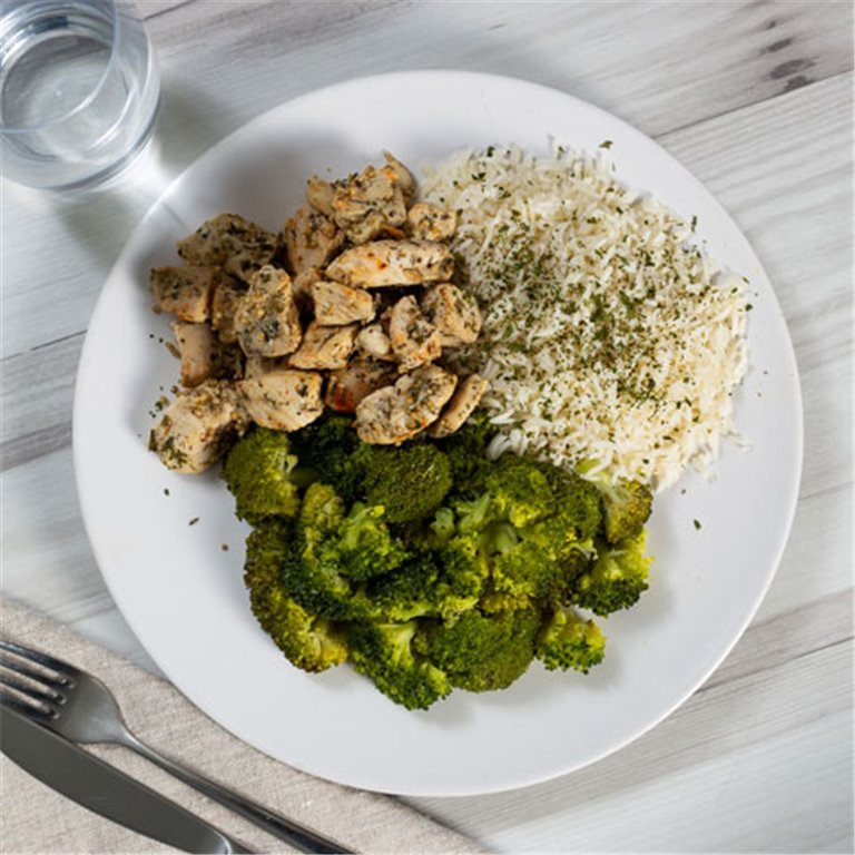 Pollo con arroz y brócoli