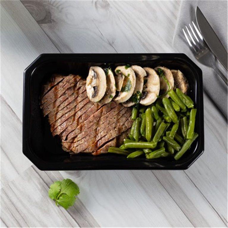 Steak chimichurri con judías verdes y champiñones