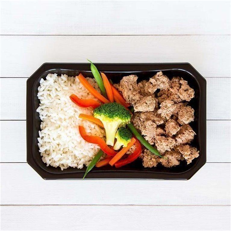 Ternera con arroz y vegetales