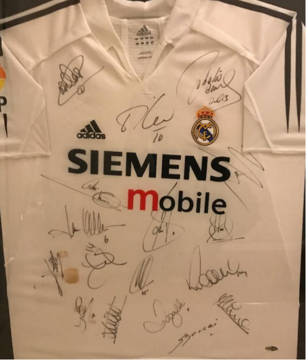 real-madrid-signed-shirt---17384.png