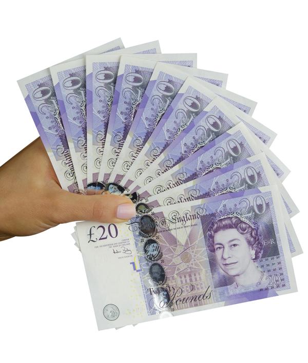 £200-cash!-7620.png