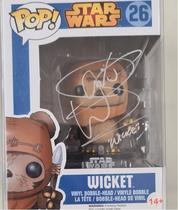 signed-pop-funko-figures-30318.png
