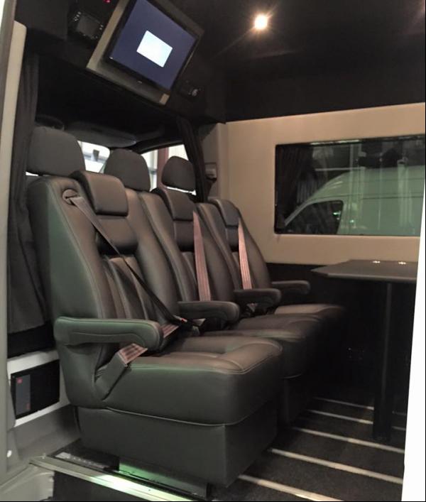 luxury-splitter-van-34170.png