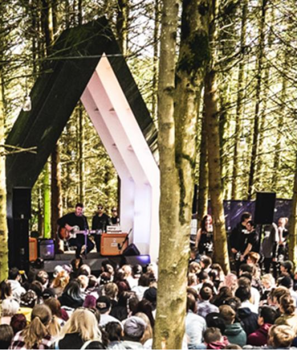 2000trees-festival-tickets-34250.png