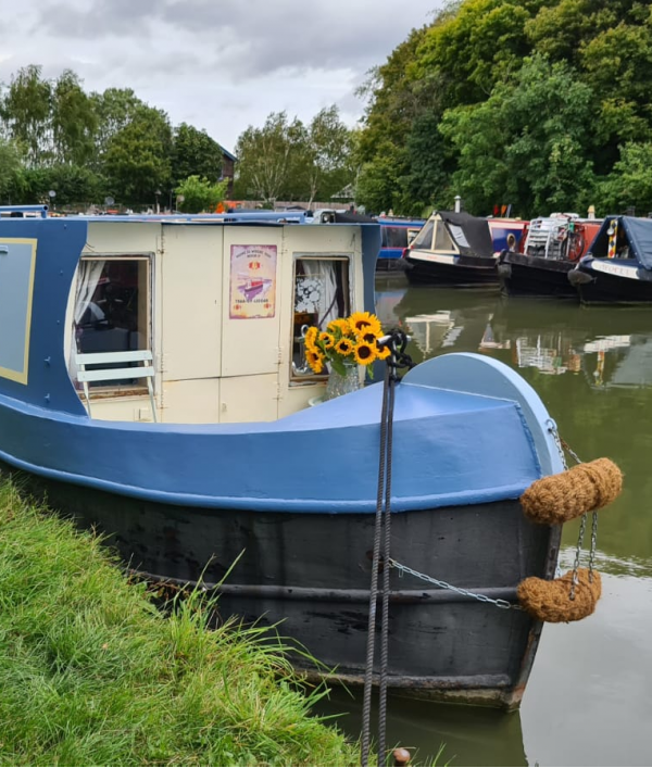 win-our-narrowboat-home-47421.png