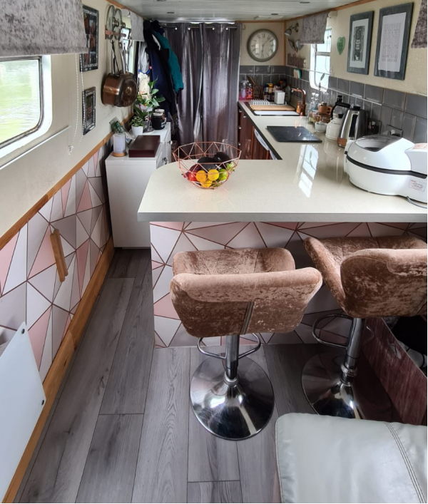 win-our-narrowboat-home-47423.png