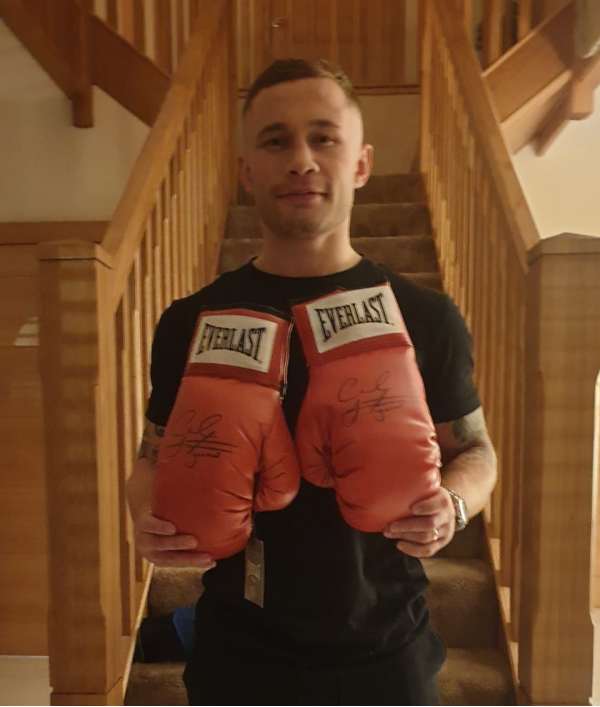 signed-boxing-gloves--frampton-23476.png