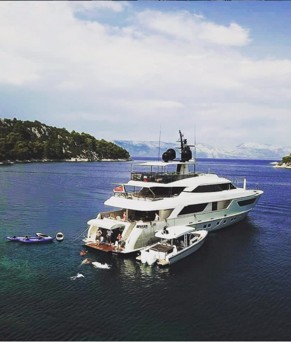 luxury-super-yacht-vacation-33715.png