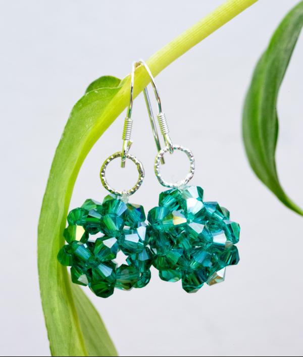 swarovski-crystal-earrings-24240.png