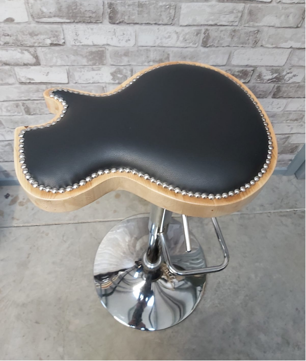 custom-guitar-stool-24403.png