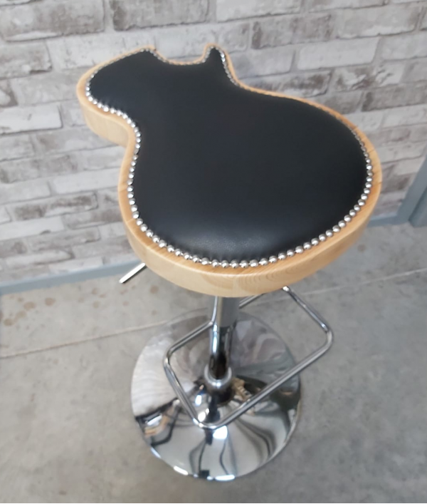 custom-guitar-stool-24404.png
