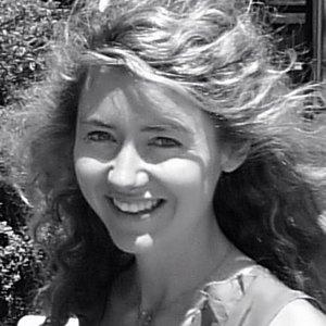 Dr Claudia Tobin