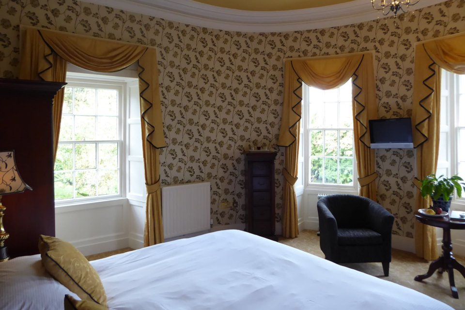 Overnight Stay for Two with Dinner and Breakfast, in a Superior Room