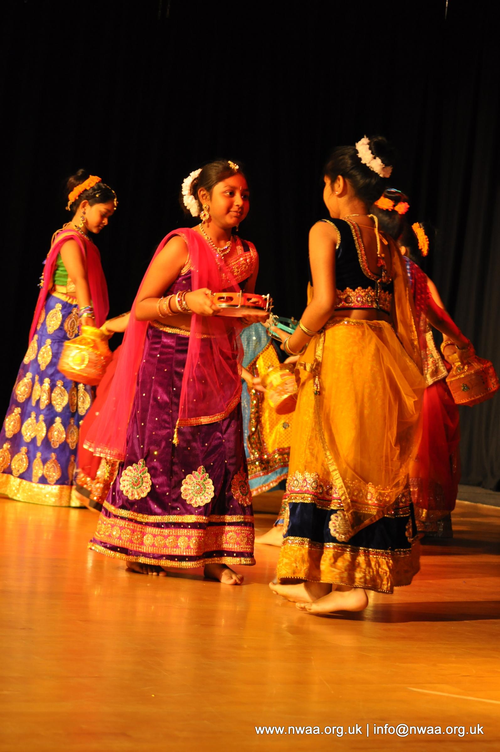 Naye Sitaare 2015 - North West Asian Arts - Indian Folk Dancing