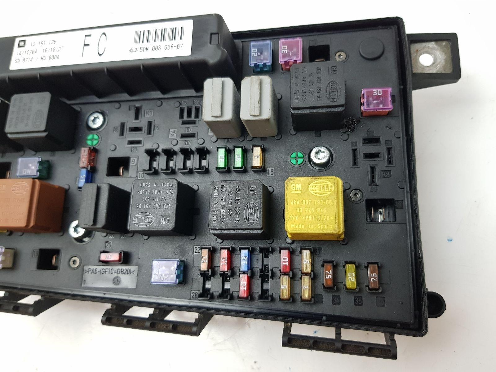 Fuse Box On A Vauxhall Astra 2004 vauxhall astra fuse box ... Vauxhall Corsa Fuse Box Cigarette Lighter on land rover discovery fuse box, bmw 5 series fuse box, bmw e30 fuse box, vw golf fuse box, fiat stilo fuse box, volvo s80 fuse box, vw passat fuse box,