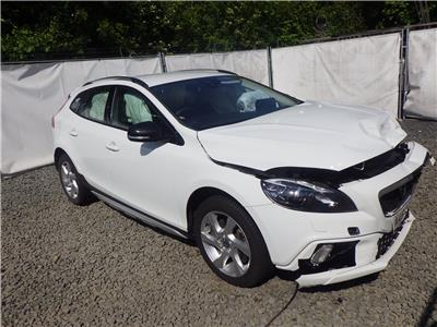 2016 VOLVO V40 Cross Country Lux D2