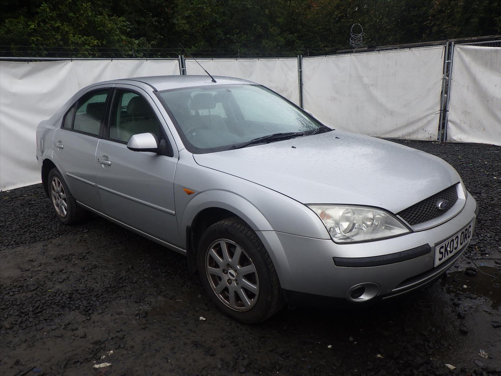 Ford Mondeo ...