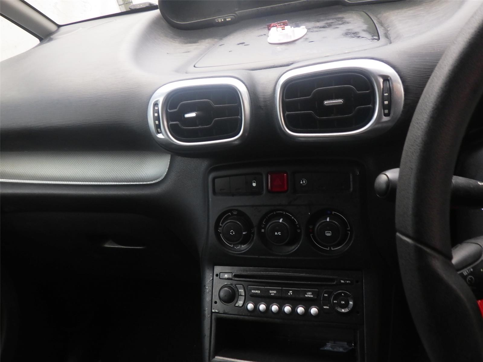 ... 2010 Citroen C3 Picasso 2009 To 2012 VTR+ HDi Manual Diesel RED Car  Radio CD Player ...