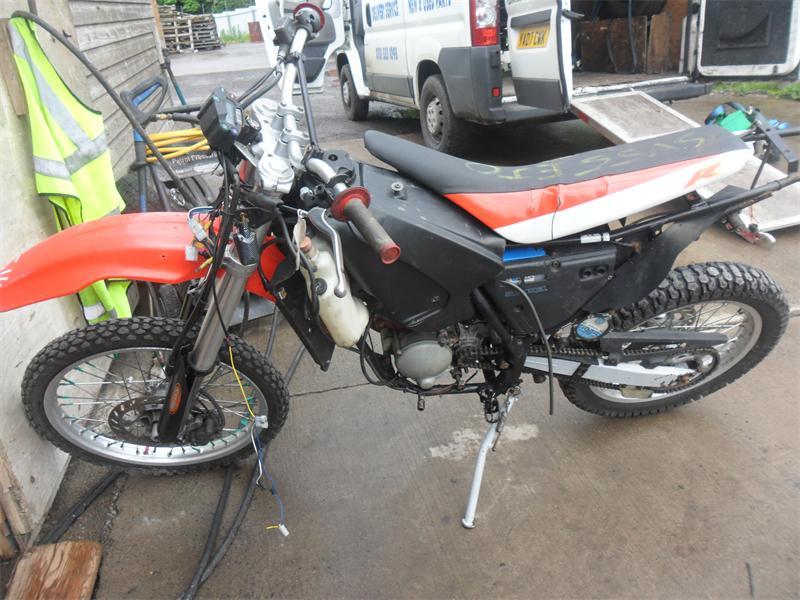 2005 aprilia rx 50 road petrol manual breaking for used and rh scbmotorcycles com aprilia rx 50 1997 manual aprilia rx 50 manuale officina