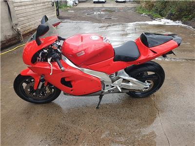 Aprilia RSV 1000 MOTORCYCLE