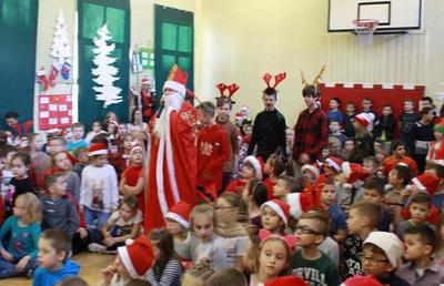 Mikołaj w naszej szkole image