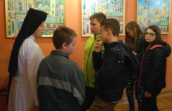 Klasy 6b i 7c podczas zwiedzania przemyskich muzeów image