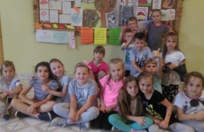 """Świetlica szkolna podczas akcji """" Sprzątanie Świata"""" image"""